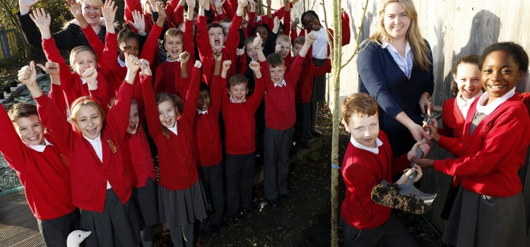House builder grows strong links with Swanscombe school during National Tree Week