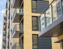 Cassette balconies by Sapphire star in award-winning homes at Suttons Wharf North