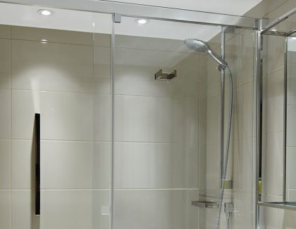 350 demista™ heated mirrors installed at The Marriott Heathrow