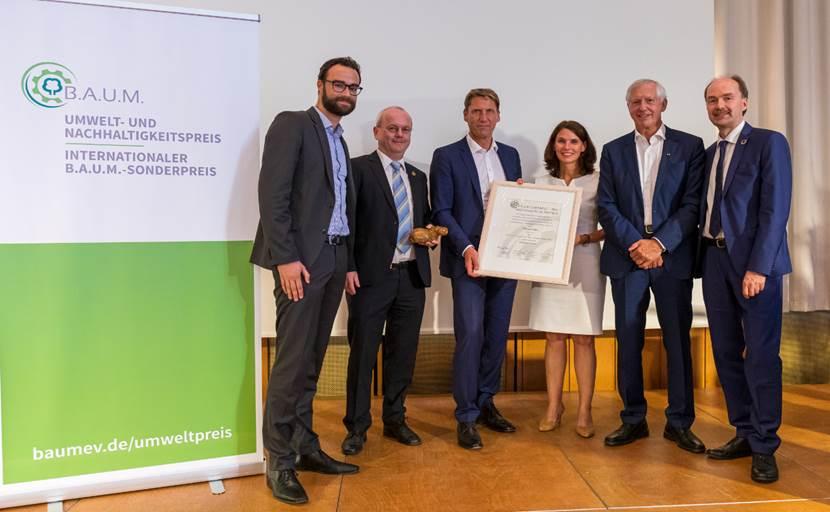 B.A.U.M. honours GROHE CEO Thomas Fuhr