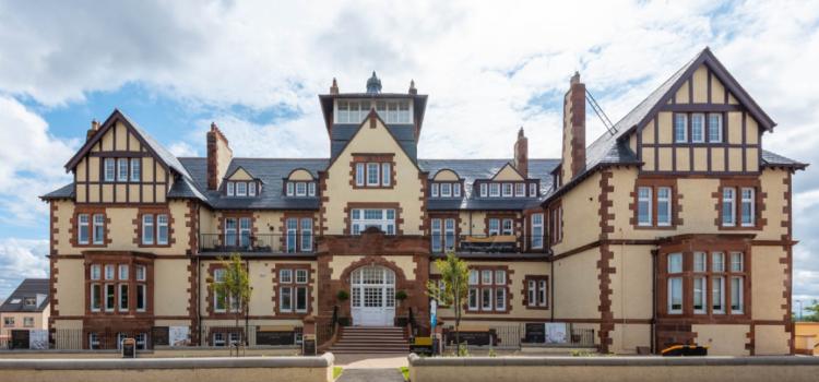 CUPA PIZARRAS iconic hotel project wins roof slate award